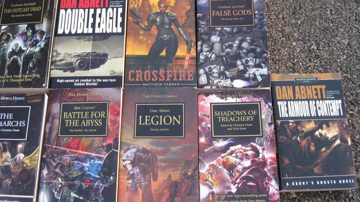 Top 6 Best Warhammer 40K Books You Need in 2021